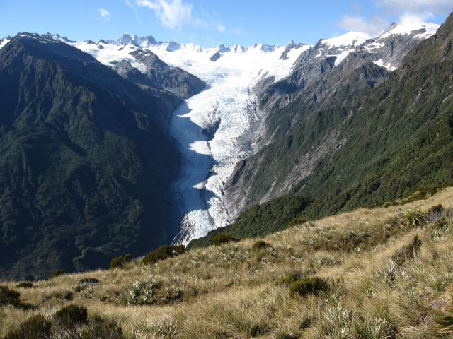alpine fault The major threat that the south island's alpine fault poses to new zealand has been front and centre of a civil defence conference in queenstown this week.