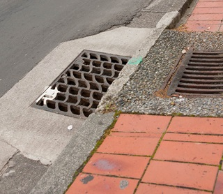 how to fix broken stormwater pipe